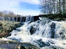 La cascata che scorre dentro Southford cade parco di stato Fotografia Stock Libera da Diritti