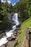 La cascata della montagna Immagine Stock