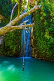 La cascata e un salto dell'ammortizzatore ausiliario fotografie stock