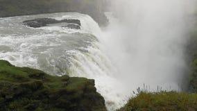 La cascata imponente di Gullfoss in Islanda stock footage