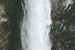La cascata Vettisfossen è il più alta caduta libera in Norvegia Fotografie Stock