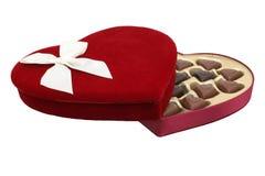 La casella di cuore ha modellato il cioccolato con il percorso di residuo della potatura meccanica (immagine 8.2mp) fotografie stock