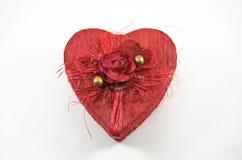 La casella rossa del cuore con è aumentato Fotografia Stock Libera da Diritti