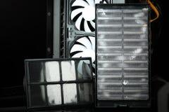 La cassa moderna del computer filtra polveroso immagini stock