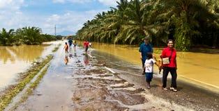 La catastrophe naturelle de l'inondation a lieu dans Panchor, Malaisie en 2011 photos stock