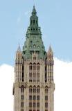 La catedral adornada le gusta el tejado del edificio de Woolworth, Manhattan más baja Imagen de archivo libre de regalías