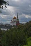 La catedral de Cristo el salvador y el Kremlin Fotos de archivo