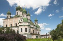 La catedral de Dormition del monasterio de Goritsky en Pereslavl-Z Foto de archivo