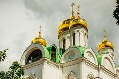 La catedral de Ekaterina con las bóvedas de oro pushkin Rusia Foto de archivo