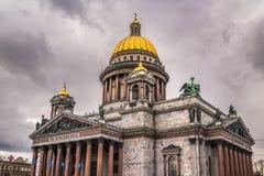 La catedral de Isaac del santo en St Petersburg, Rusia Imagen de archivo libre de regalías