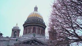 La catedral de Isaac en el invierno metrajes