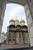 La catedral de la suposición de la Moscú el Kremlin Fotografía de archivo libre de regalías