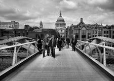 La catedral de San Pablo y puente del milenio Fotografía de archivo libre de regalías