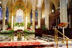 La catedral de St Patrick en Pascua 2019 49 imagen de archivo