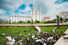 La catedral del Espíritu Santo en Minsk - la tubería imagen de archivo libre de regalías
