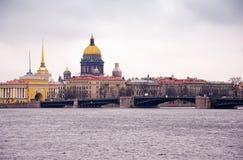 La catedral del Isaac del santo, St Petersburg, Rusia Imagen de archivo libre de regalías