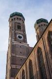 La catedral famosa de Munich, tambi?n llam? a Cathedral de nuestra estimada se?ora, Munich imagen de archivo libre de regalías