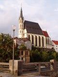 La catedral majestuosa en Cesky Krumlov foto de archivo libre de regalías
