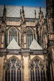 La catedral metropolitana de los santos Vitus, Wenceslaus y Adalbert nombró comúnmente St Vitus Cathedral detalle imágenes de archivo libres de regalías