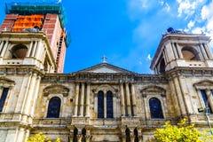 La catedral metropolitana está situada en el cuadrado de Murillo de la plaza en La fotografía de archivo