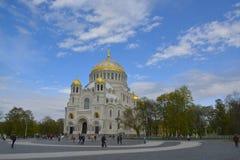 La catedral naval de San Nicolás en Kronstadt fotografía de archivo libre de regalías