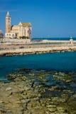 La catedral Trani Apulia Italia imagen de archivo