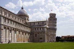La catedral y la torre de Pisa fotografía de archivo