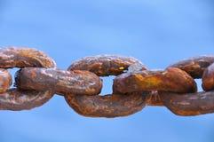 La catena ha danneggiato da molti arrugginisce, Rusty Naval Chain anziano Fotografia Stock Libera da Diritti