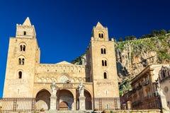 La Cathédrale-basilique de Cefalu Photo libre de droits