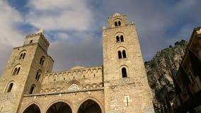 La Cathédrale-basilique de Cefalu, est une église de Roman Catholic dans Cefalu, Sicile, Italie du sud clips vidéos