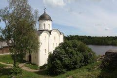 La cathédrale de St George. Staraya Ladoga Images stock