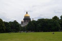 La cathédrale de St Isaac dans le St Petersbourg Images libres de droits
