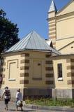 La cathédrale des saints Peter et Paul Heat In la cour de temple photos stock