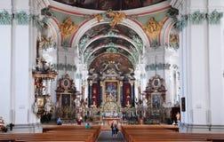 la cathédrale gallen le monde suisse de l'UNESCO de rue mentionné par liste intérieure de borne limite d'héritage photos libres de droits