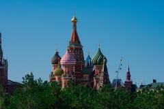 La cathédrale Sobor Vasiliya Blazhennogo de Basil de saint images libres de droits