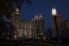 La cattedrale del san dei giorni posteriori alla notte immagini stock