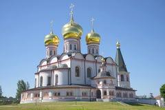 La cattedrale dell'icona della madre di Dio Iveron Monastero di Svyatoozersky Valdai Iversky Bogoroditsky Fotografie Stock Libere da Diritti