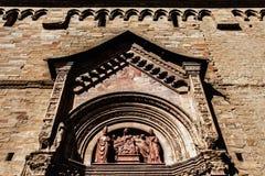 La cattedrale dell'occhiata toscana della chiesa della cattedrale di Arezzo osserva lo scorcio di vista di chiesa di Toscana del  Immagini Stock Libere da Diritti