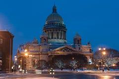 La cattedrale della st Isaac è stata costruita dall'architetto Auguste Monferanov nel 1858 È il principale immagine stock libera da diritti