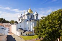 La cattedrale della st Sophia (la saggezza santa di Dio) nel Cremlino di Novgorod immagine stock libera da diritti
