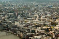 La cattedrale e l'orizzonte di St Paul di Londra Fotografia Stock Libera da Diritti