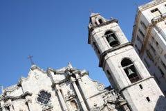 La cattedrale ed esso di Avana è costruzione più vicina Fotografie Stock