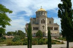 La cattedrale ortodossa ha fatto rivivere dalle rovine Fotografie Stock Libere da Diritti