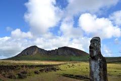 La cava di Moai - isola di pasqua Fotografie Stock Libere da Diritti
