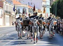 La cavalleria regolamenta i cavalli di guida di Lusitano, Lisbona Immagine Stock