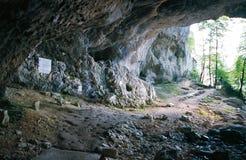La caverna di La Luire sul plateau di Vercors, la caverna della resistenza immagine stock libera da diritti