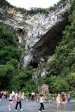 La caverne de karst dans le villiage de bama, Guangxi, porcelaine Images libres de droits