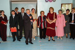 La celebración de la campana pasada en una escuela rural en la región de Kaluga en Rusia Fotografía de archivo