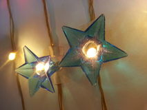 La celebración del partido del festival de los eventos de las luces disfruta de los días de fiesta de Pascua de la Navidad felice Foto de archivo libre de regalías