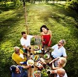 La celebrazione degli amici incoraggia il concetto di legame di felicità Fotografia Stock